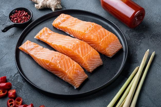 Carne crua de salmão para costeletas