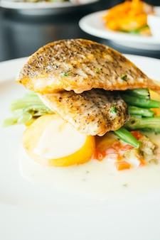 Carne de peixe bife