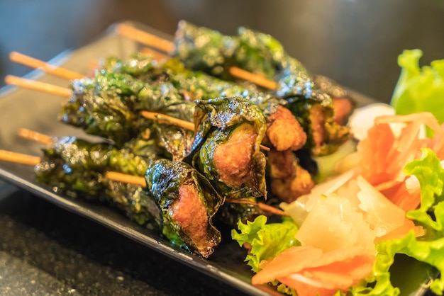 Carne de porco grelhada e vegetais