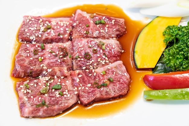 Carne de wagyu de yakiniku japonesa
