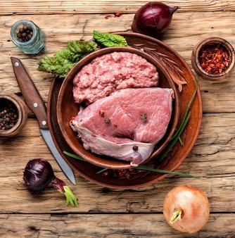 Carne e farsa