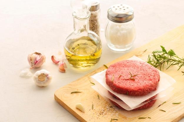 Carne e tempero de hambúrguer