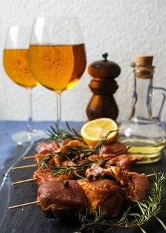 Carne e vinho