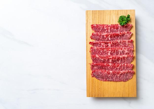 Carne fresca em fatias