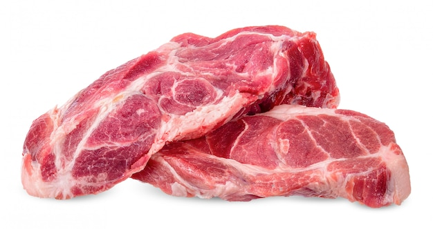 Carne isolada no traçado de recorte branco