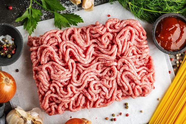 Carne picada fresca pronta para cozinhar