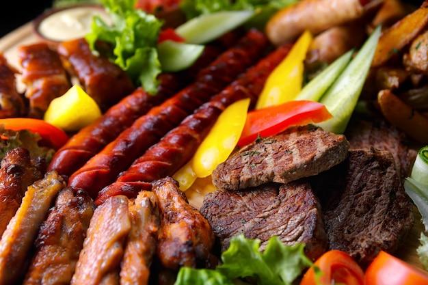 Carnes e enchidos variados