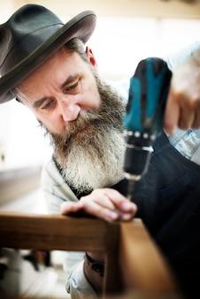 Carpenter craftmanship carpentry handicraft conceito de oficina de madeira