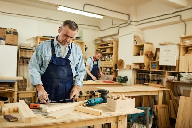 Carpinteiro sênior