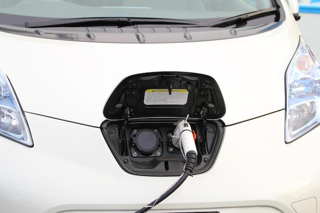 Carregador de veículo elétrico
