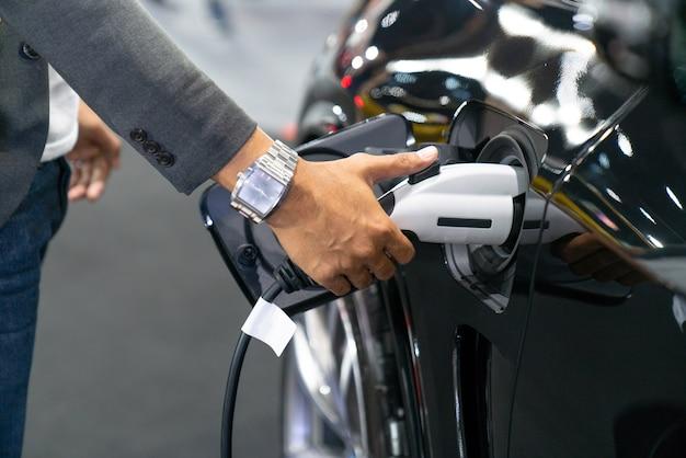 Carregamento de carro elétrico moderno
