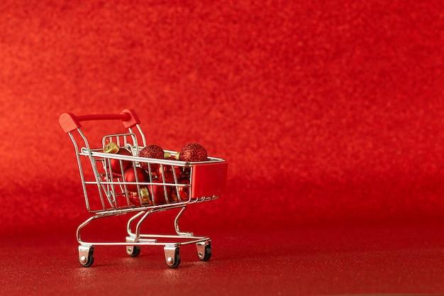 Carrinho de compras on-line com presente venda no dia de natal