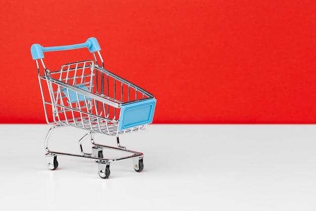 Carrinho de compras vazio pequeno
