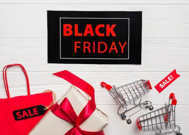 Carrinhos de compras, pacotes, presente e tablet