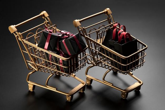 Carrinhos de compras promocionais da black friday