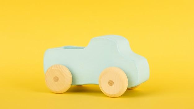 Carro de brinquedo azul infantil