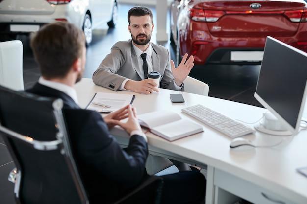 Carro de escolha do empresário