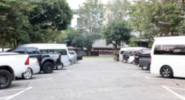Carro de estacionamento turva abstrata ao ar livre