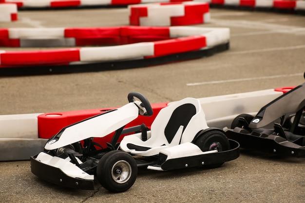 Carro de kart para crianças, esportes e entretenimento