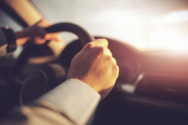 Carro e o motorista conceito foto