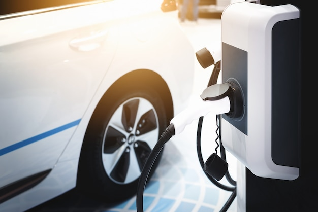 Carro elétrico, energia de carregamento do carro elétrico híbrido.