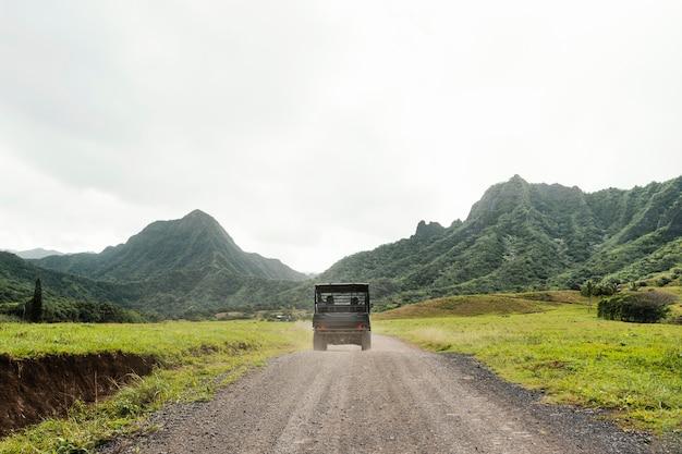 Carro jipe no havaí