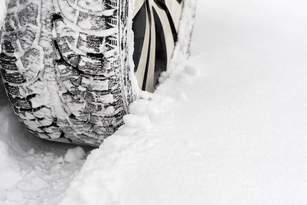 Carro na neve