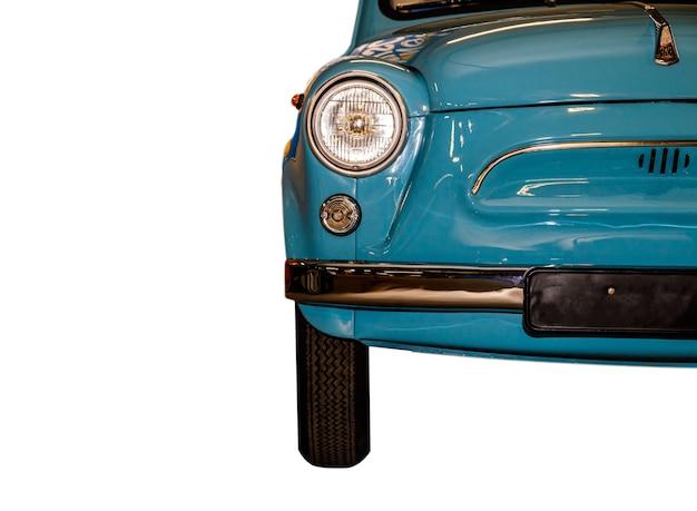 Carro retro azul close-up isolado no fundo branco