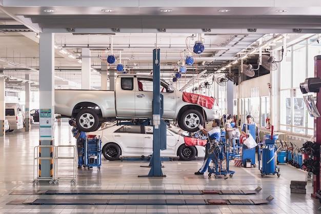 Carro, técnico, reparar, car, em, oficina, serviço, estação