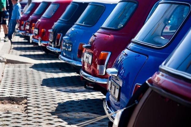 Carros mini clássicos