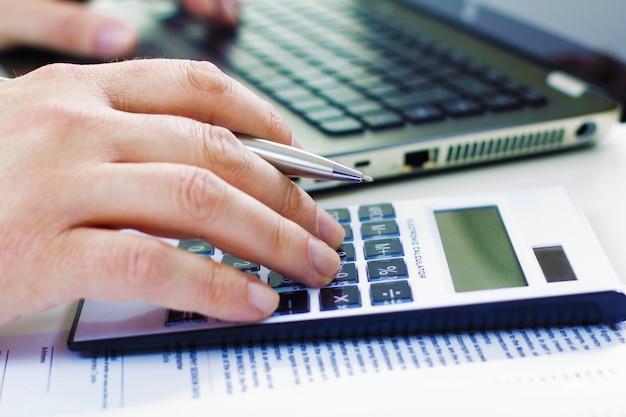 Carta adultos negócios escritório de finanças