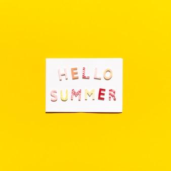 Cartão com mensagem olá verão