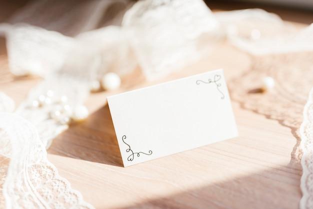 Cartão de casamento delicado