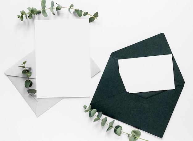 Cartão de casamento liso leigo