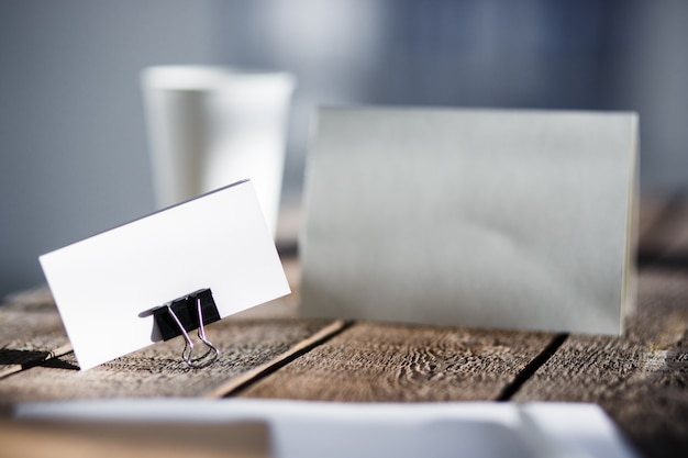 Cartão de cumprimentos de convite em branco