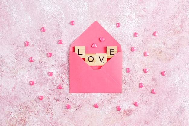 Cartão de dia dos namorados com flores rosas.
