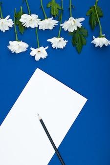 Cartão de flor, saudação, maquete de férias. fundo de dia do casamento, dia das mulheres