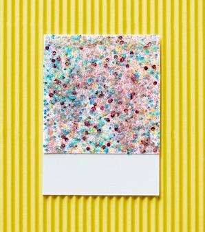Cartão de papel brilhante e brilhante