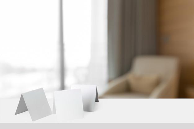 Cartão de papel de mesa