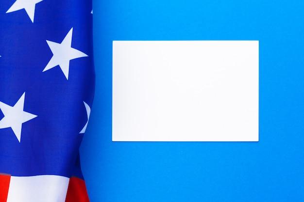 Cartão de visita em branco com bandeira americana