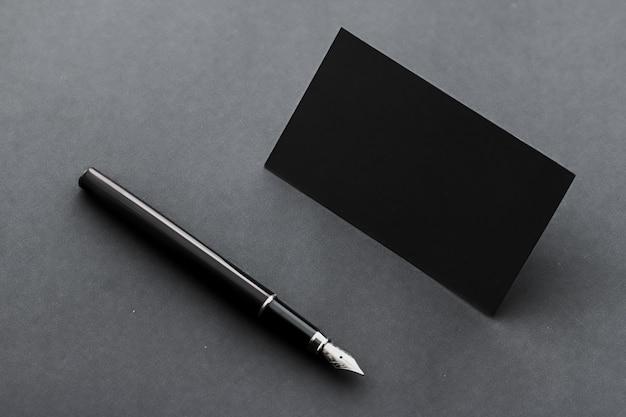 Cartão de visita em branco para maquete corporativa e design minimalista de identidade de marca