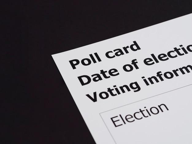 Cartão de votação de alto ângulo