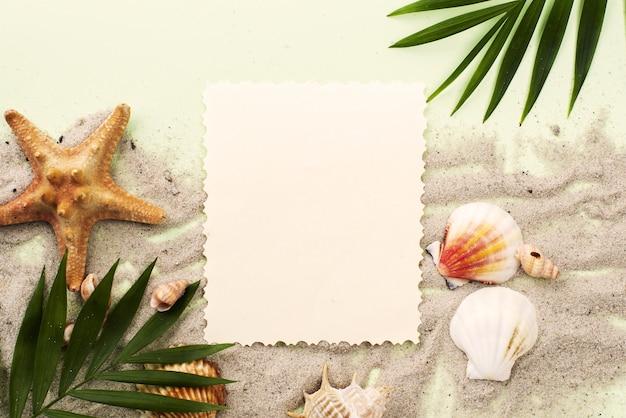 Cartão na areia