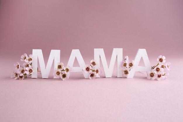 Cartão para feliz dia das mães. fundo de natureza sazonal. conceito de beleza.