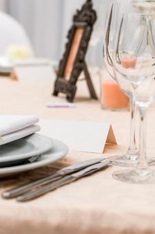 Cartão para o nome da mesa