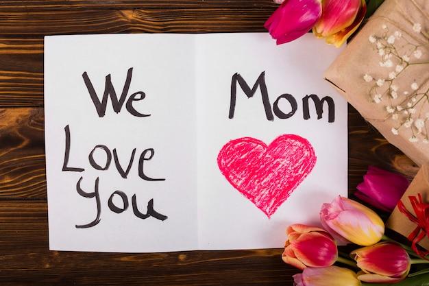 Cartão postal de dia das mães decorado flores