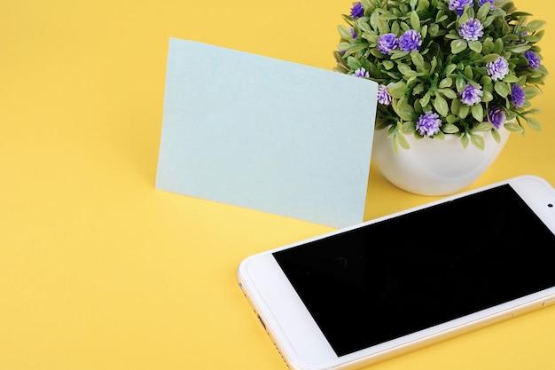 Cartão vazio com telefone