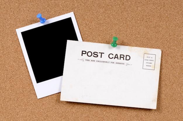 Cartão velho com polaroid foto