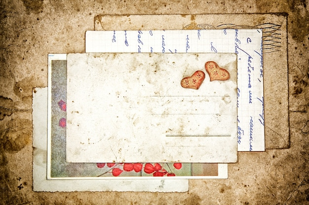 Cartas antigas e cartão postal vazio