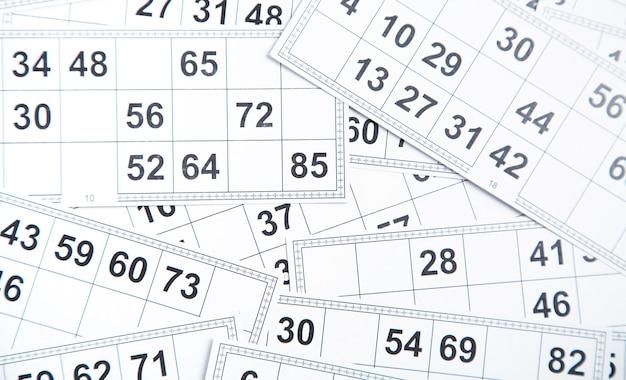 Cartas de jogos de loteria. números fundo branco